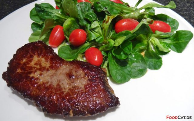 Rinder­steak mit Feldsalat